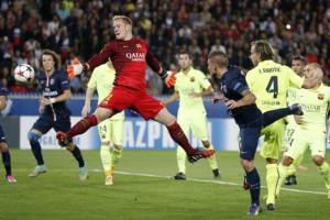 Il gol di testa di Marco Verratti al Barça