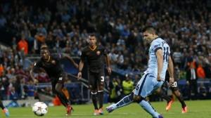 Il rigore di Aguero per l'1-0 City