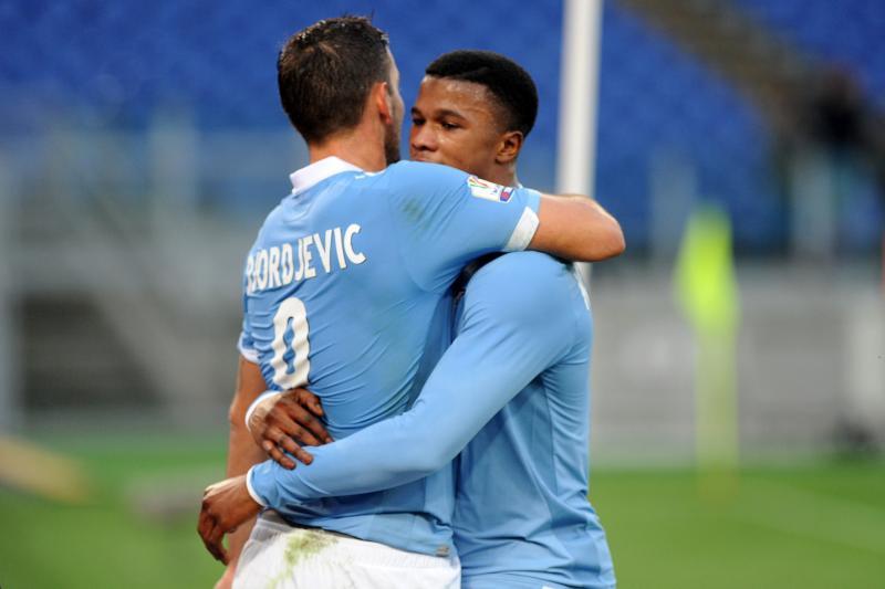 Coppa Italia: la Lazio dà tre calcetti alla crisetta