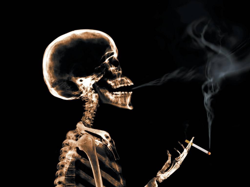 Cancro donne, fumo primo killer