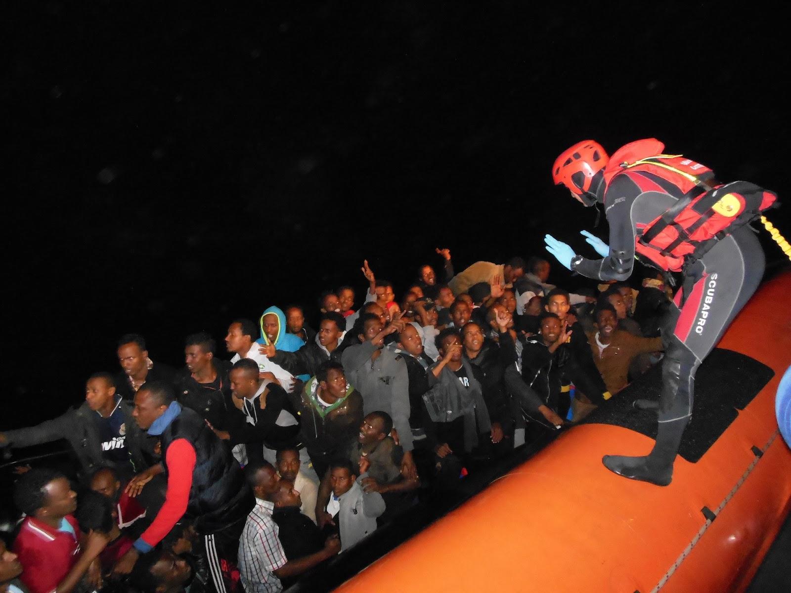 Libia, minacce all'Italia. Attaccata motovedetta