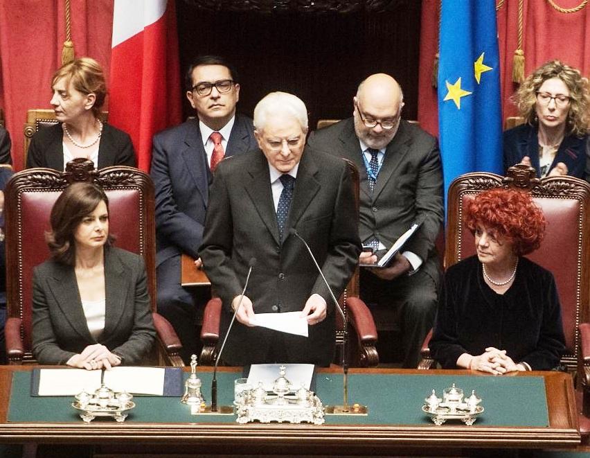 """Mattarella """"riforme urgenti"""". Il ciclo economico deve essere invertito."""