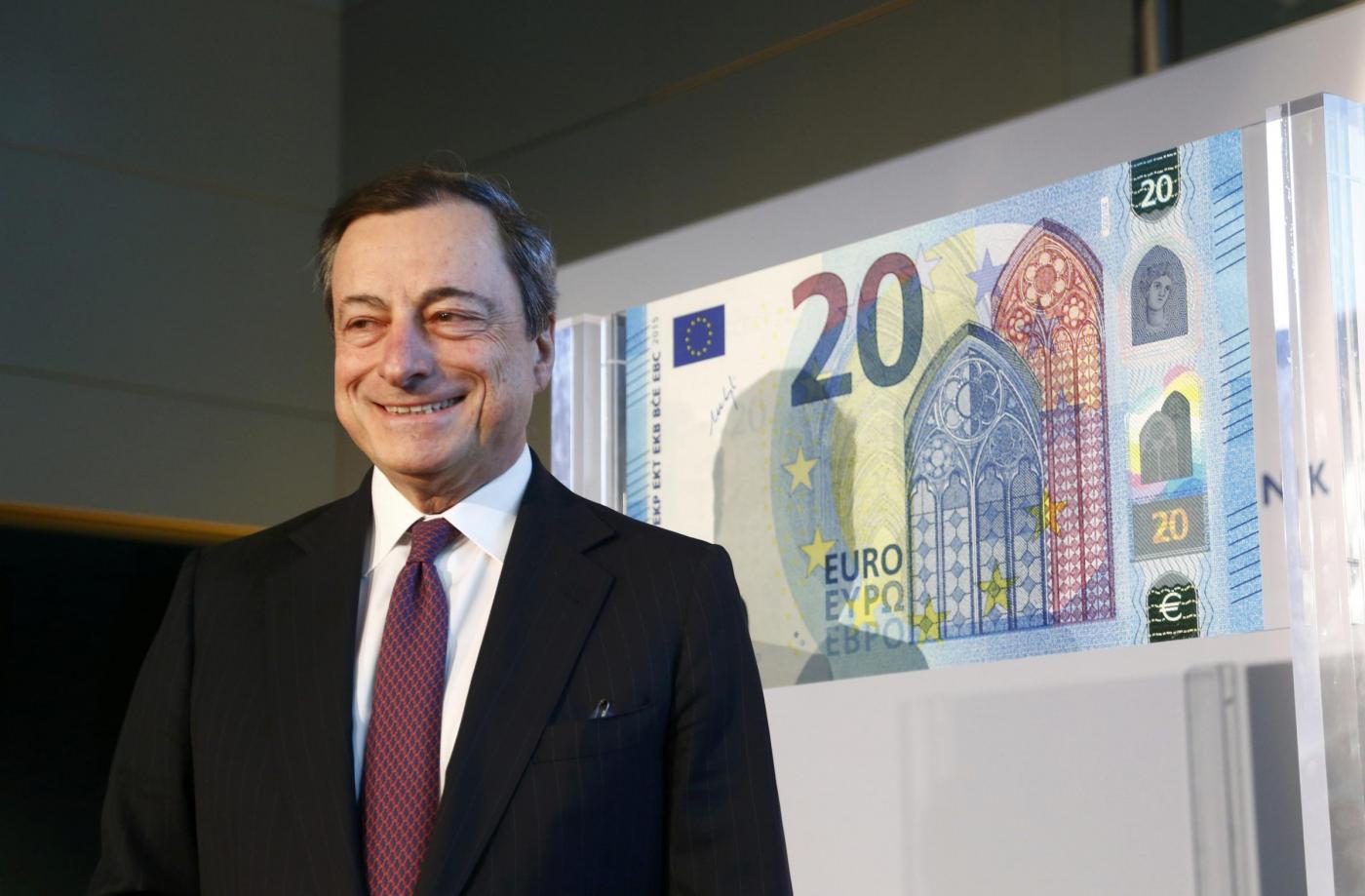 """Draghi: """"ripresa più lenta, Bce aumenta acquisto titoli fino al 33%"""""""