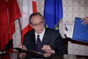 Firma accordo Italia-Svizzera