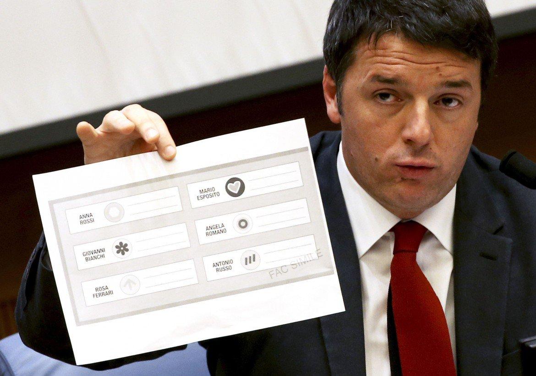 Renzi: l'Italicum va avanti e non si ferma
