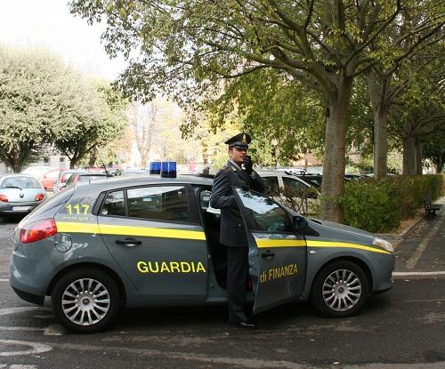 Gdf, frodi e sprechi per oltre quattro miliardi di euro