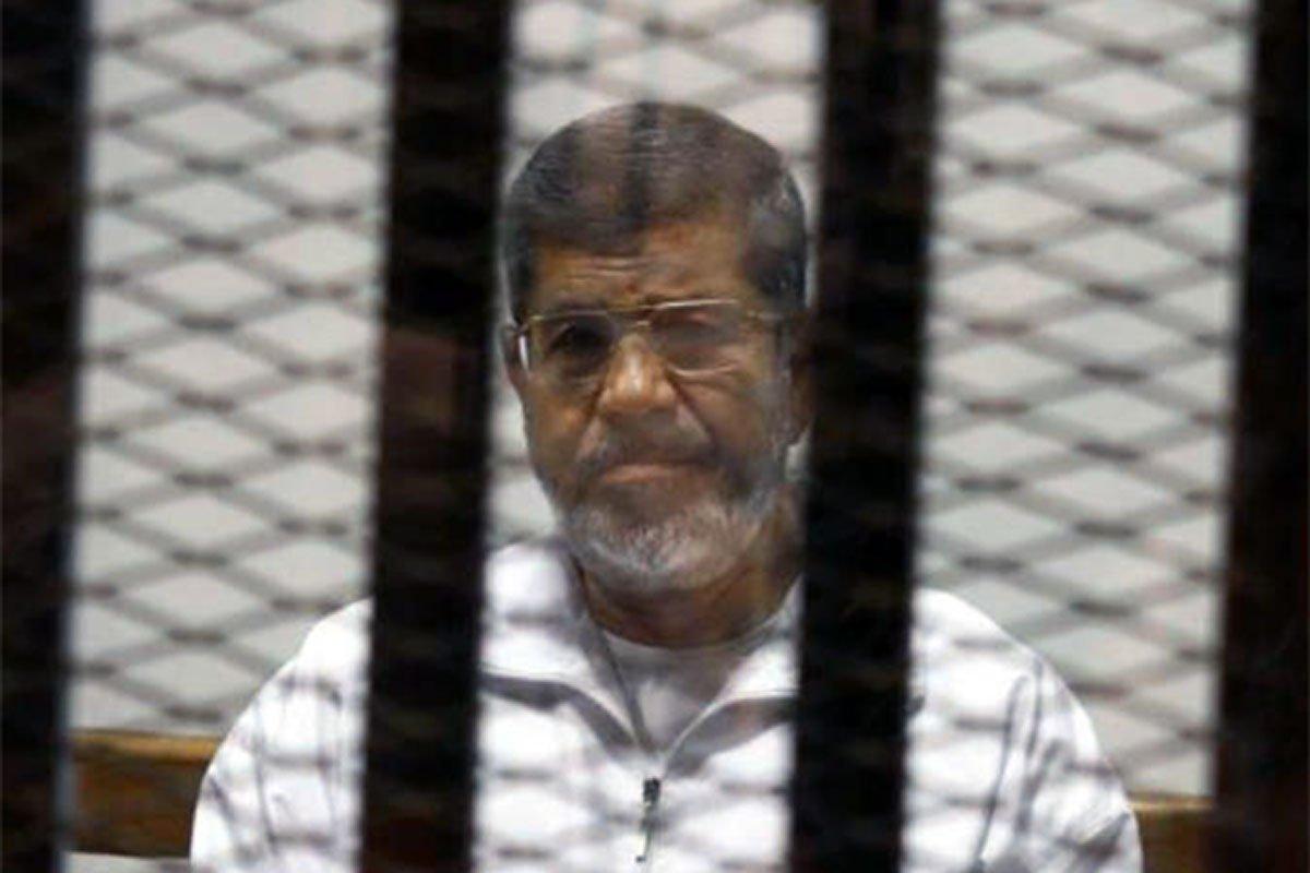 Egitto, Morsi condannato a vent'anni