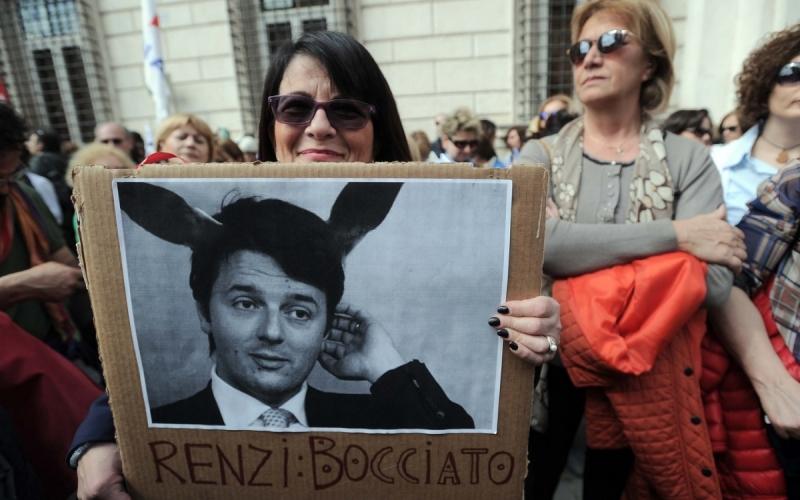 Scuola, Renzi mette mano al ddl