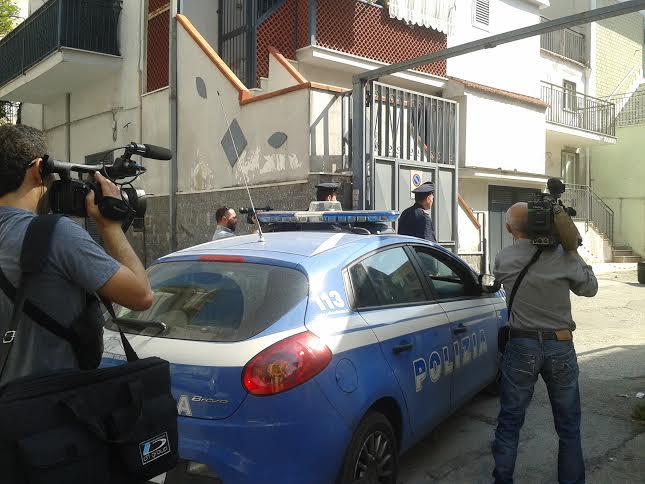 Vicini a mano armata: un morto a Roma, 8 feriti a Napoli