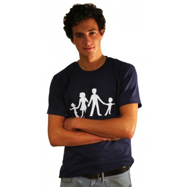 'Fascista e cattolico': aggredito per T-shirt pro famiglia