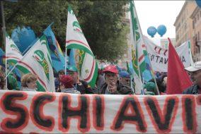 VERTENZA ROMA, SINDACATI IN PIAZZA CONTRO MARINO - FOTO 4