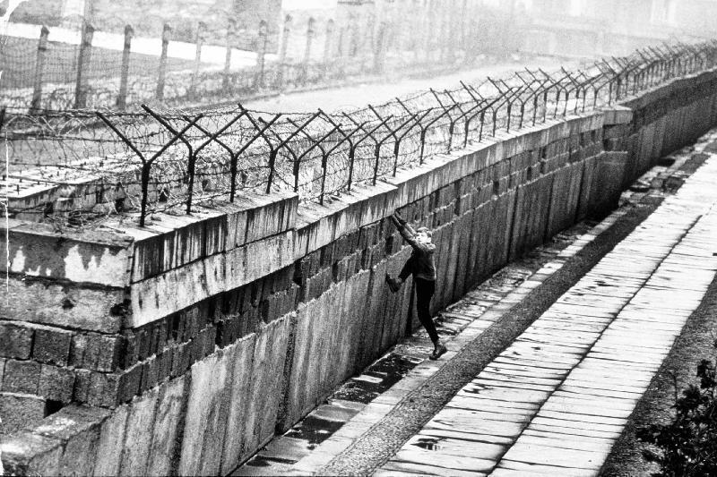 Ungheria: muro anti-migranti. L'Europa si blinda