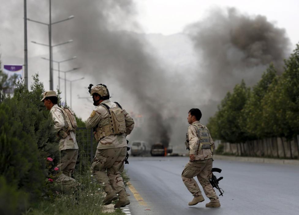 Afghanistan, Talebani attaccano il Parlamento