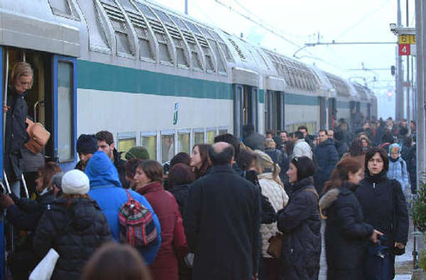 Immigrati, capitreno aggrediti a Milano a colpi di machete