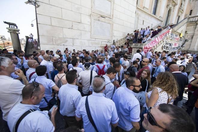 Grecia contro Varoufakis: