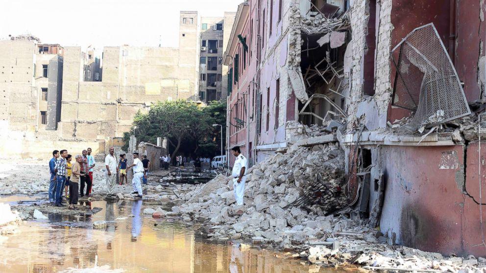 Il Cairo, autobomba al consolato italiano