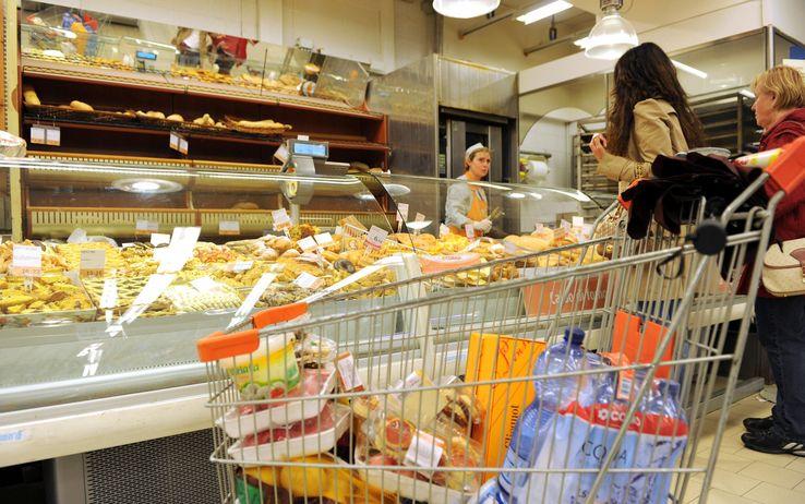 Istat, inflazioni per classi di spesa: meno acquisti per famiglie più povere
