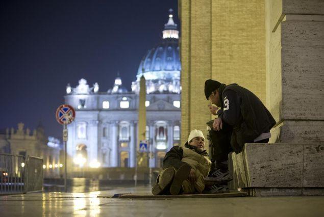Doccia e capelli con la benedizione di papa Francesco