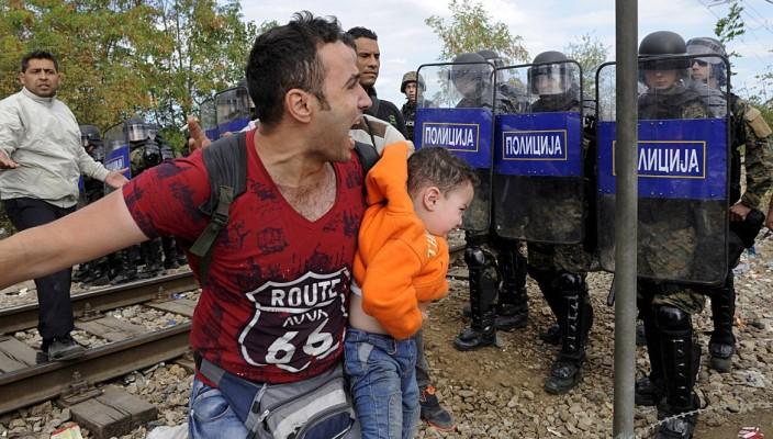 Migranti, Balcani in ginocchio