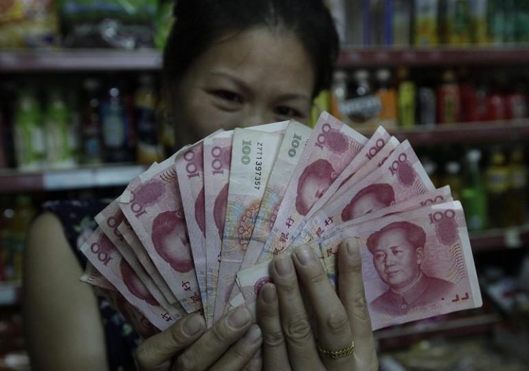 La Cina spiazza e svaluta ancora la sua moneta