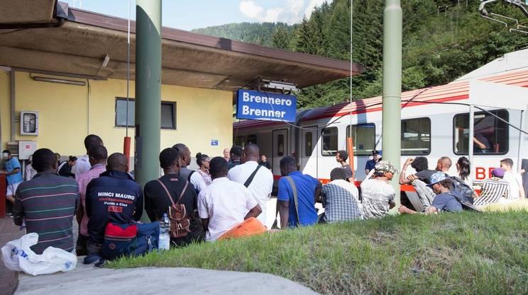 Migranti,  ripristino dei controlli alla frontiera