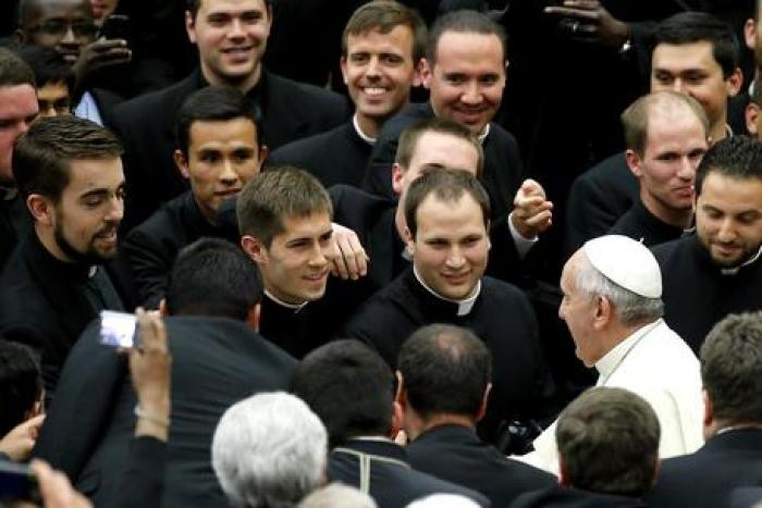 """Migranti """"Francesco, parroco tra i parroci. Siamo con lui"""""""