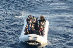 Immigrazione: ok a missione navale Ue anti-scafisti