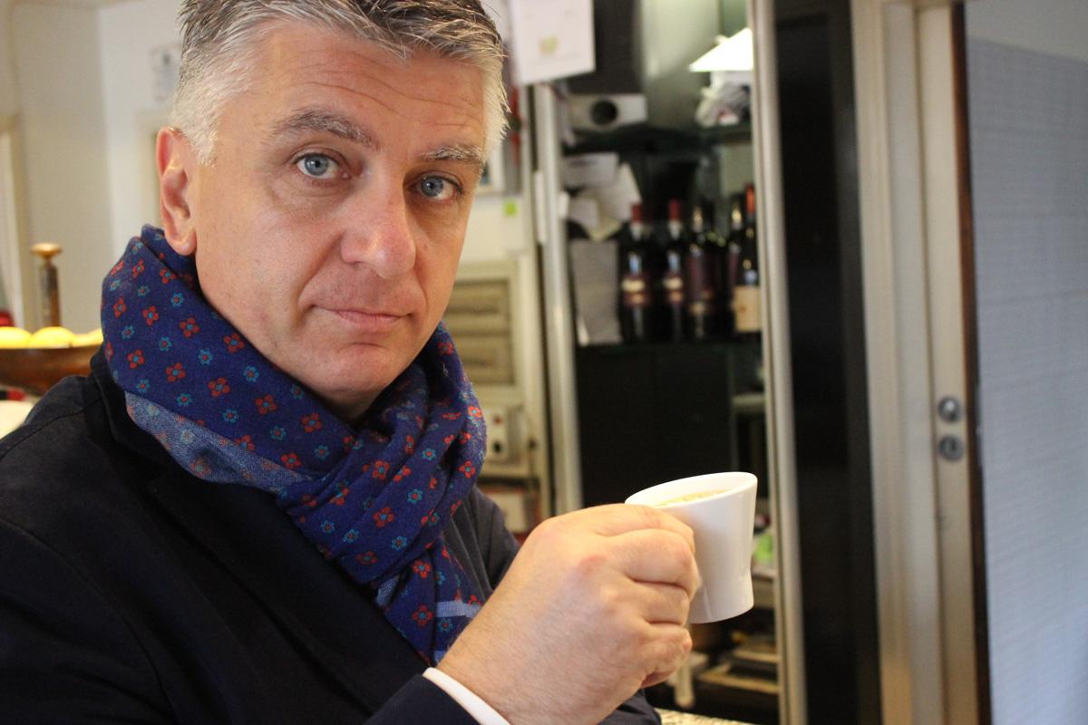 Niente caffè lungo: lo vieta il sindaco di Pietrasanta