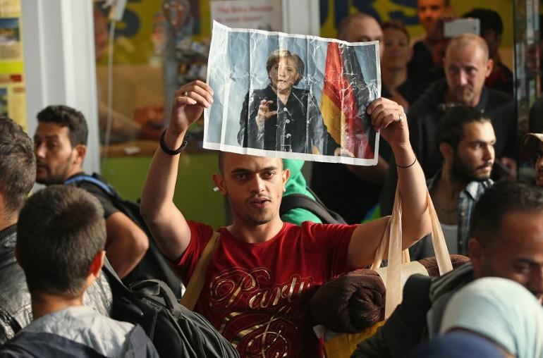 Migranti, la Merkel spacca Germania e Ue