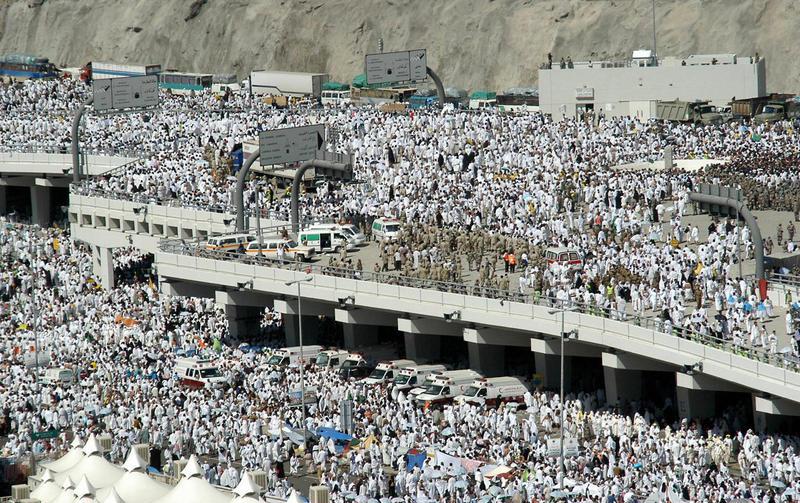 La Mecca: nella calca muoiono 700 pellegrini
