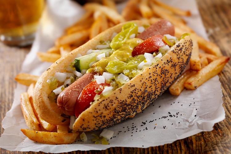 Allarme Oms: hot dog e salsicce come fumo e alcol