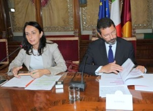 Marino riflette mentre  Renzi chiede ai dem  di dimettersi