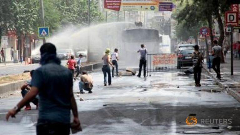 Turchia, due bambini morti in scontri dopo l'attentato