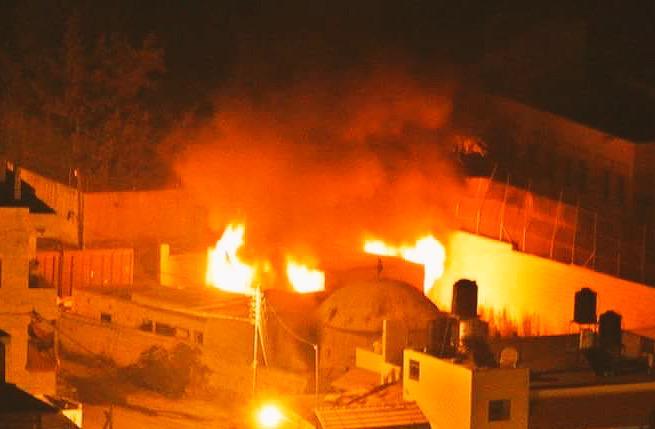 Intifada, in fiamme la Tomba di Giuseppe a Nablus