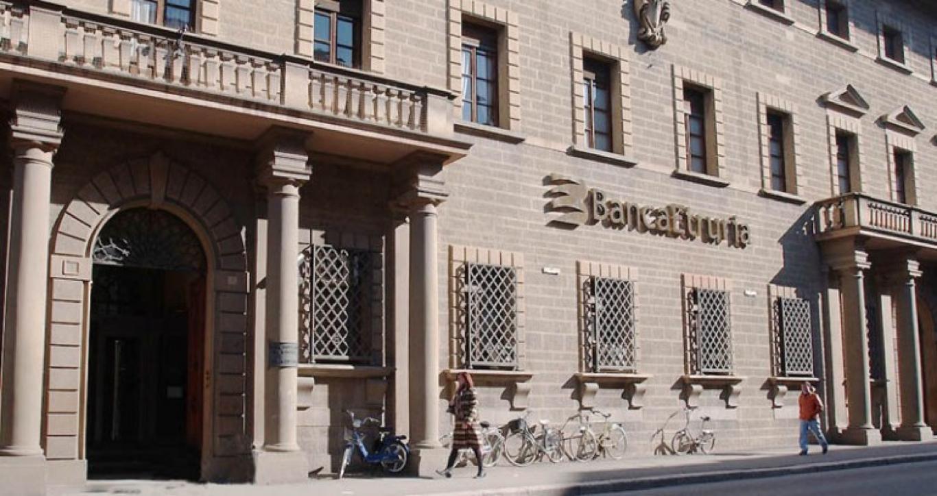 Ue, Banche vendevano prodotti inadatti. Applicare direttiva garanzia depositi bancari