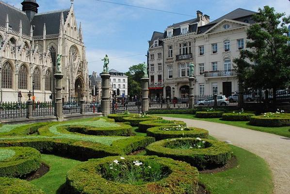 Bruxelles: città fantasma a rischio attentato