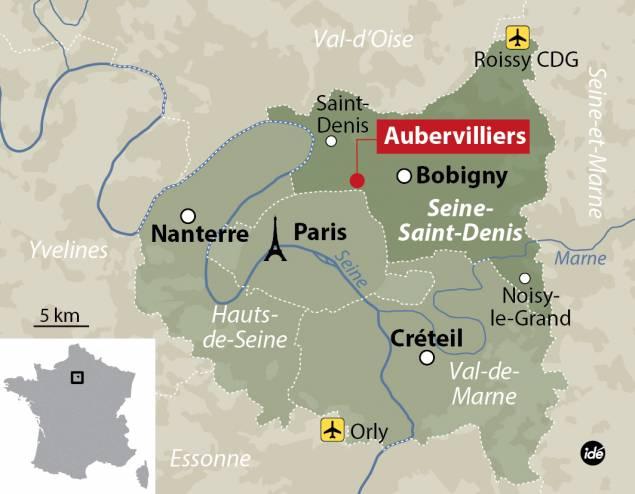 Parigi, accoltella maestro e grida: