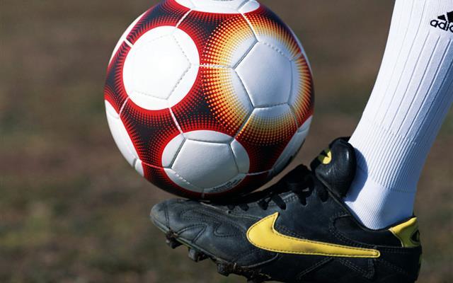 Serie A, la sfida resta tra Juve e Napoli