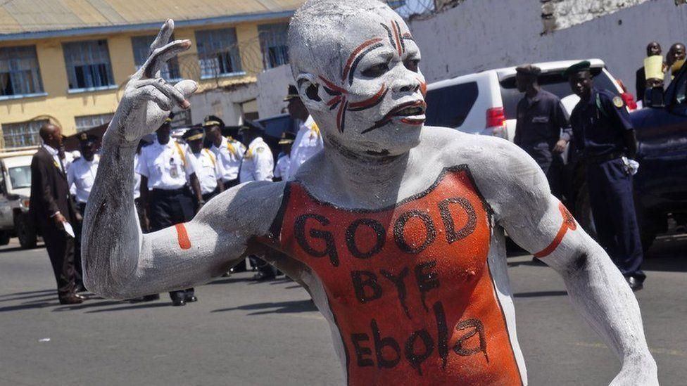 Ebola: per Oms allarme cessato. Ma in Africa ancora un morto