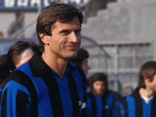 Riprese le medaglie dell'ex campione dell'Inter Facchetti