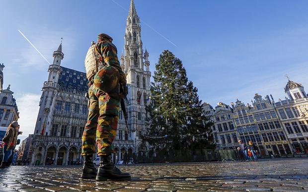 Belgio, Reclutavano per l'ISIS: 10 arresti