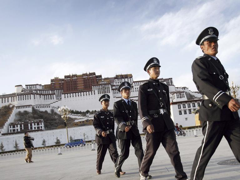 Tibet ancora isolato, si temono nuove rivolte