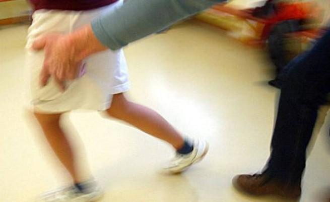 Pedofilia: 11 arresti, tra questi uno affetto da HIV