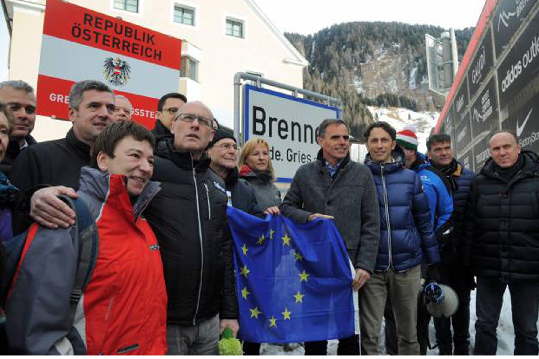 Migranti, l'Austria alza barriere al Brennero