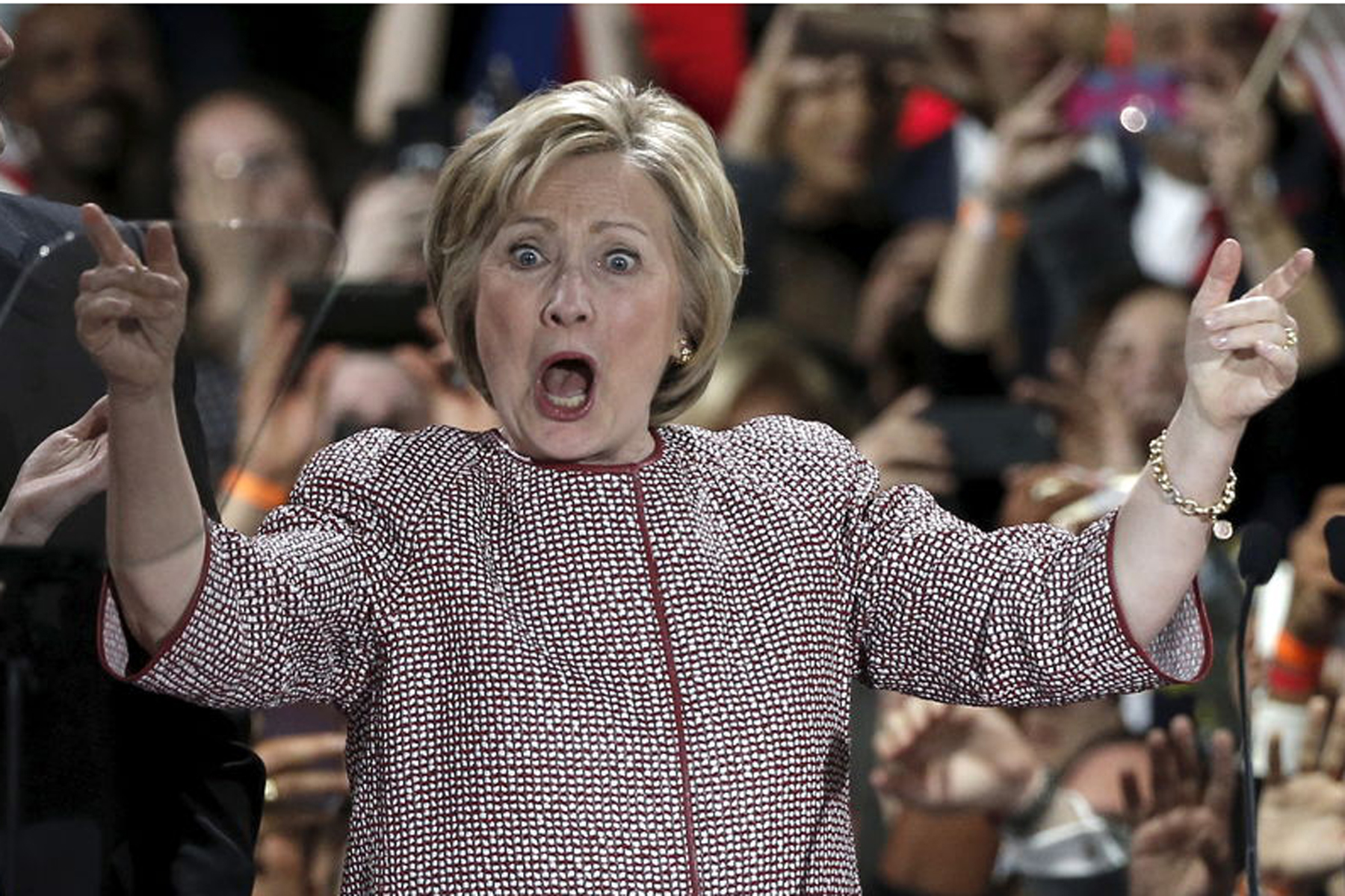 New York: vince Hillary, Trump umilia Cruz