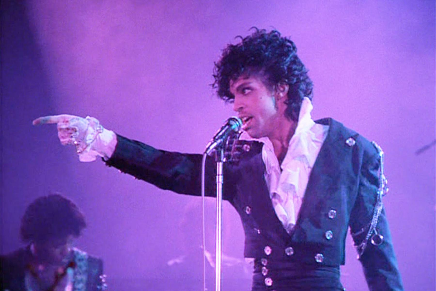 Addio a Prince, il principe del pop
