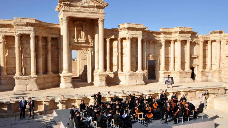 Siria: torna musica a Palmira, ma Aleppo brucia