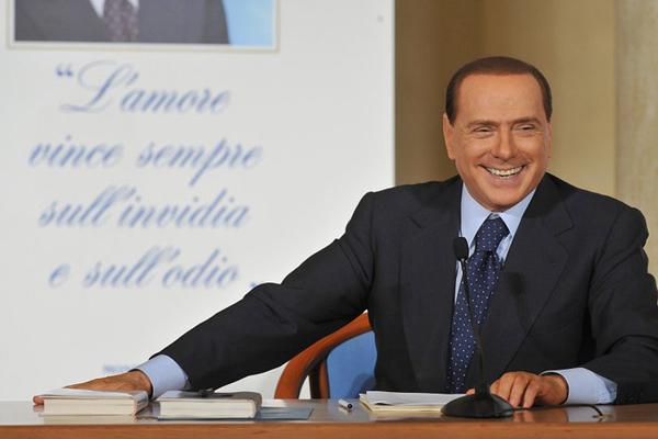 Berlusconi è fuori da reparto di terapia intensiva