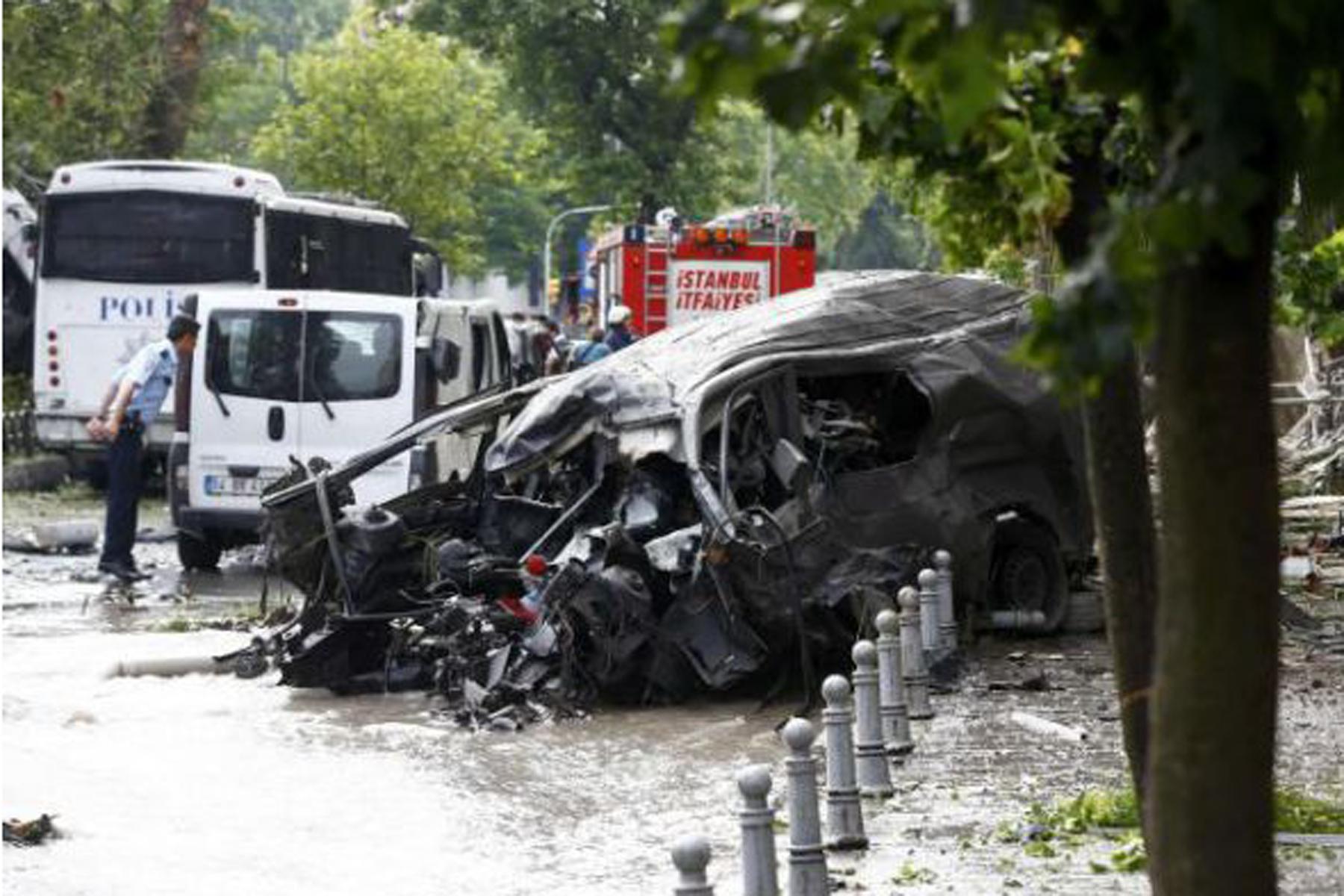 Istanbul, bomba a fermata bus: 11 morti