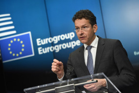 Eurogroup President and Dutch Finance Minister Jeroen Dijsselbloem gives a press conference on February 16, 2015 at the end of an Eurogroup finance ministers meeting at the European Council in Brussels.          AFP PHOTO / EMMANUEL DUNAND